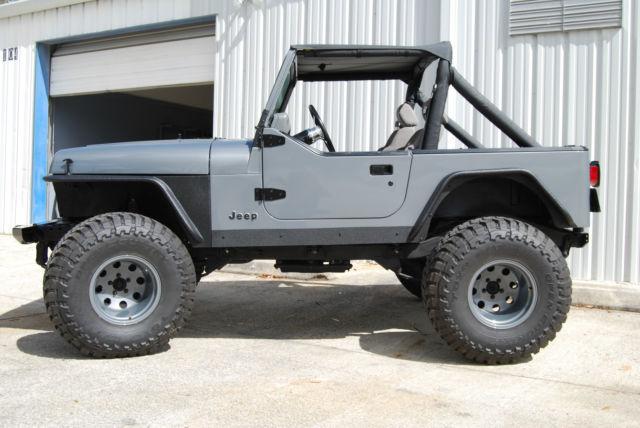 Jeep Yj Wrangler 4x4 4 2l Inline 6 Cylinder Grey Black