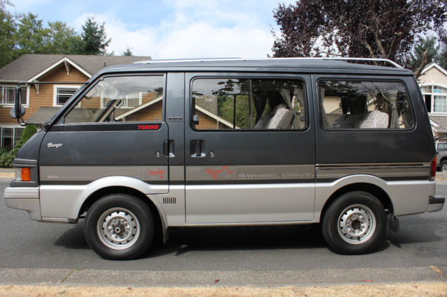 Mazda Bongo Limited 1990 4wd Turbo Diesel  Maniual F5  Only 31ml   8 Seats