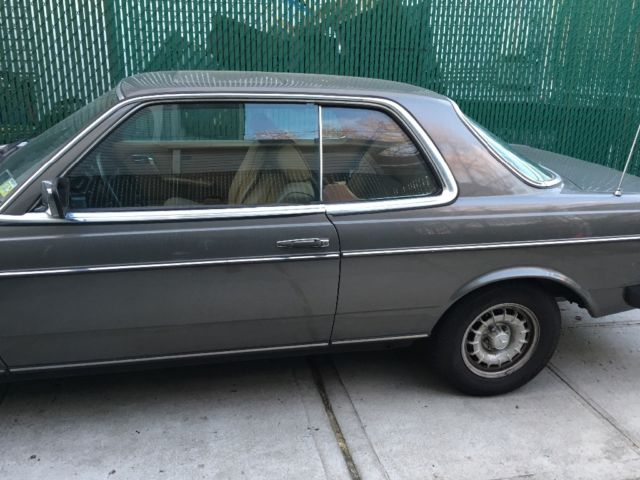 Mercedes benz 300cd turbo di sel coupe for Mercedes benz turbo diesel