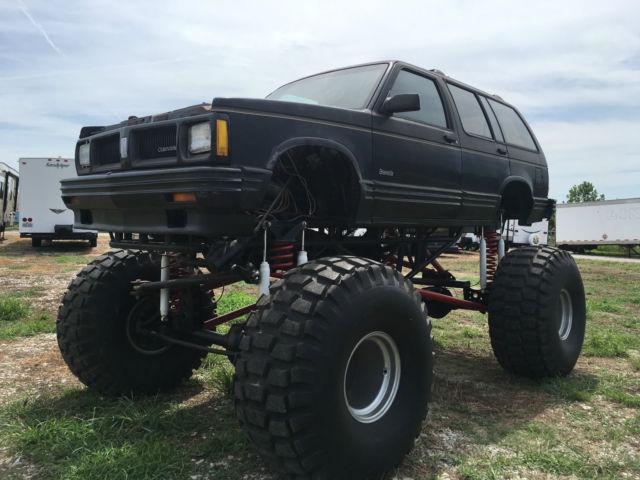 Monster truck no reserve 454 bravada full custom chassis off road