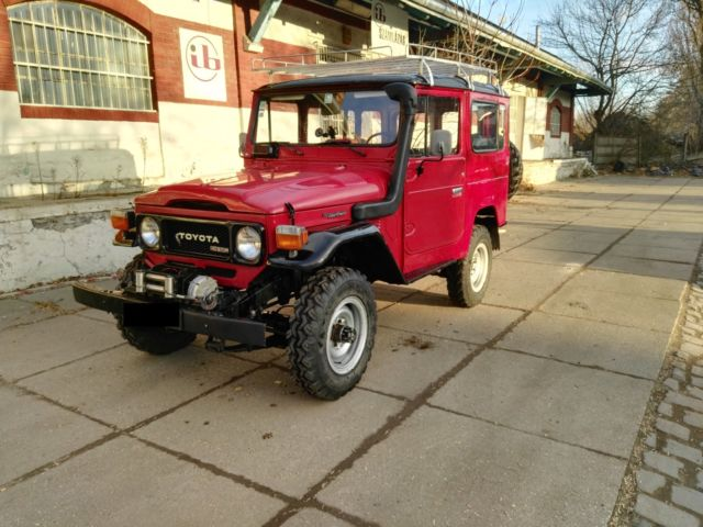 original garage kept 1982 toyota land cruiser fj40 diesel. Black Bedroom Furniture Sets. Home Design Ideas