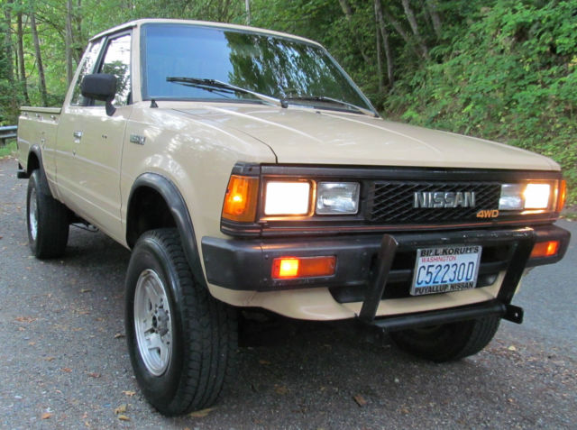rare clean 1984 nissan datsun 4x4 extended king cab pickup 4wd collectors truck. Black Bedroom Furniture Sets. Home Design Ideas
