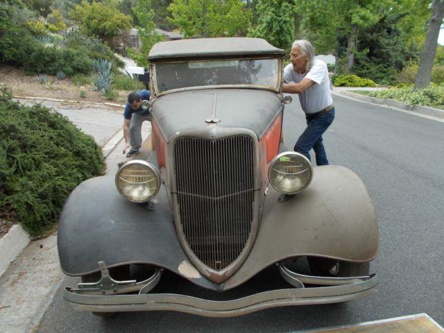 vintage 1934 ford roadster on cover of hot rod deluxe. Black Bedroom Furniture Sets. Home Design Ideas